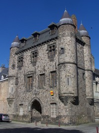 Condé-centre-historique-Le château de Bailleul.JPG